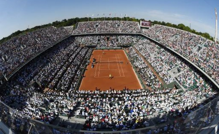 Paris (AFP). Les permis de construire du Nouveau Roland Garros signés, annonce Hidalgo