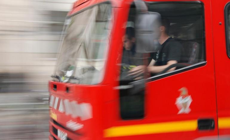 Incendie de v hicule dans un garage d 39 un parking for Voiture dans un garage