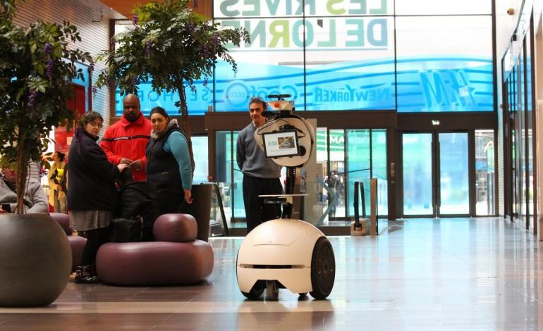 Un robot made in Caen fait ses premiers pas en public
