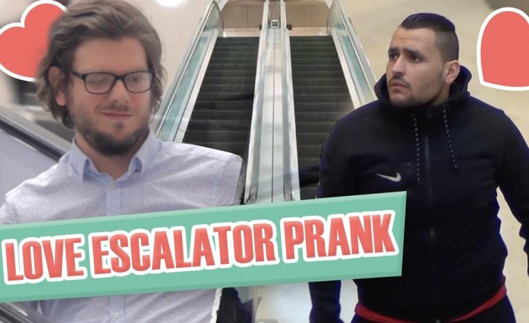 Coup de foudre entre hommes en escalator cartonne sur youtube - Coup de foudre en normandie ...