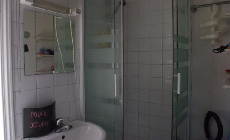 Caen : le Café Sauvage vous propose de prendre une douche à prix libre