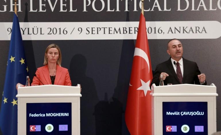 L'Union européenne tente d'apaiser les tensions avec la Turquie