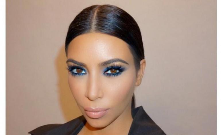 kim kardashian d pense en moyenne 690 de maquillage par jour. Black Bedroom Furniture Sets. Home Design Ideas