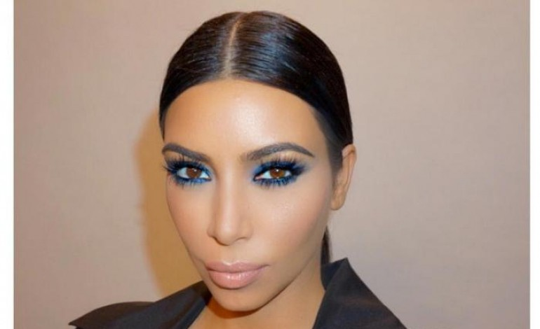 kim kardashian d pense en moyenne 690 de maquillage. Black Bedroom Furniture Sets. Home Design Ideas