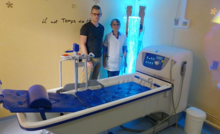Le CHU de Rouen promeut le bain thérapeutique pour son service neurochirurgical
