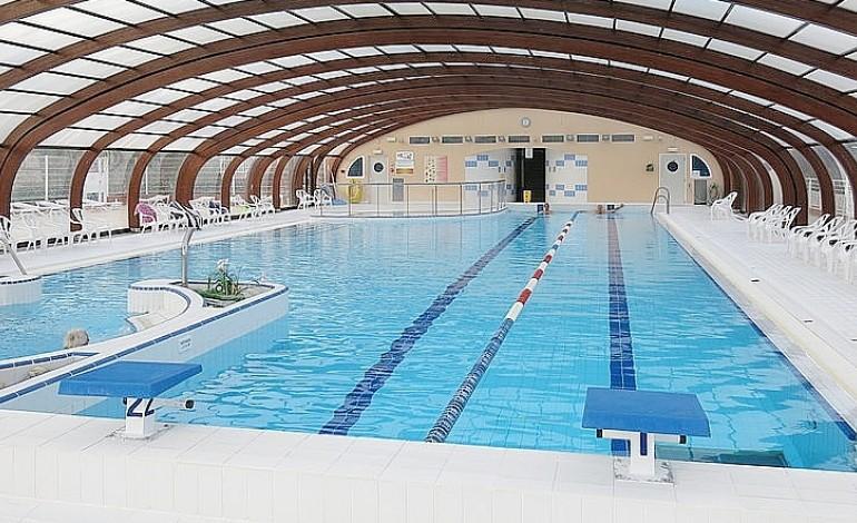 Pr s de rouen ils s 39 introduisent dans une piscine pour y for Canteleu piscine