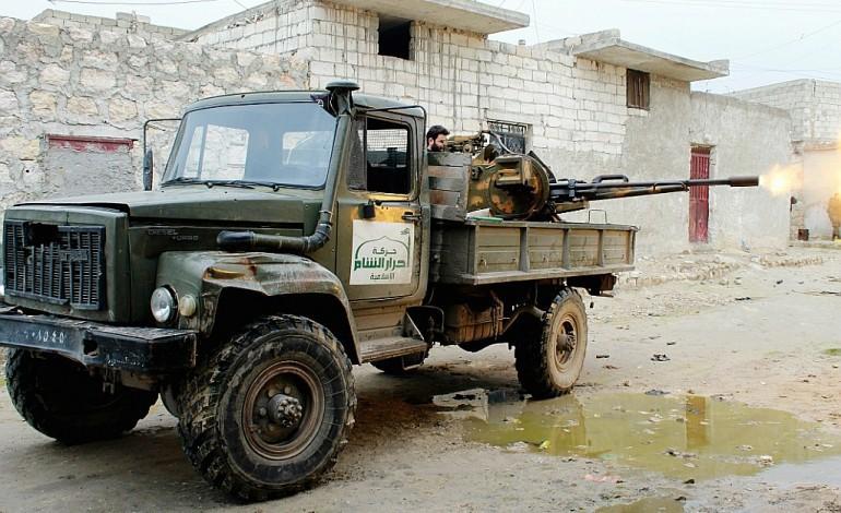 En Syrie, les rebelles à l'attaque pour briser le siège d'Alep