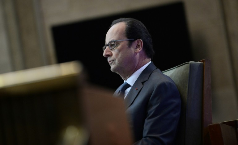 "Hollande entend rester ""le patron"""