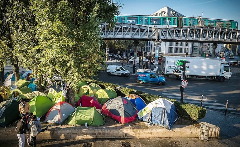 Campement de migrants de Paris: vers une évacuation record