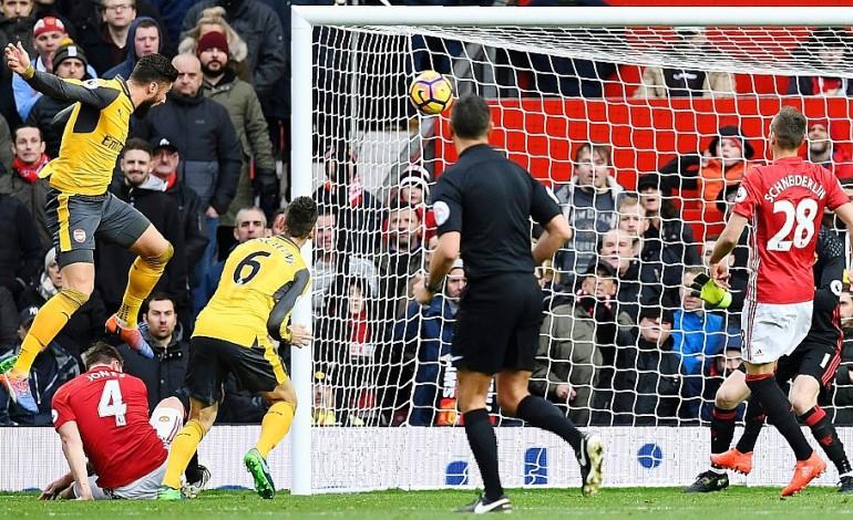 Angleterre: le choc Manchester United-Arsenal accouche d'une souris