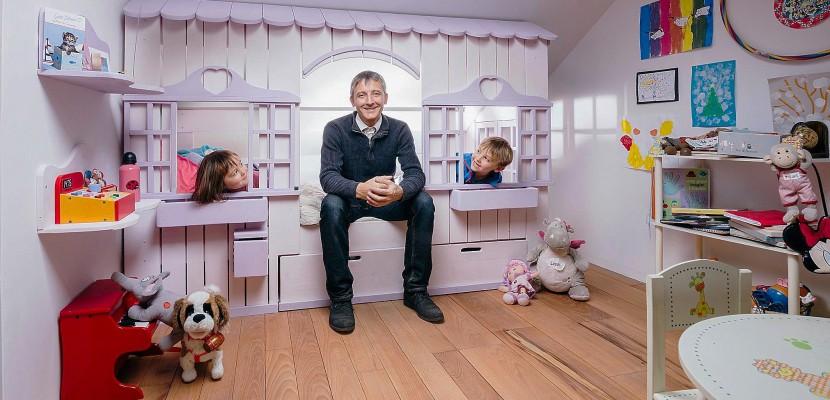 seine maritime philippe desdevises le magicien des lits cabanes en bois. Black Bedroom Furniture Sets. Home Design Ideas