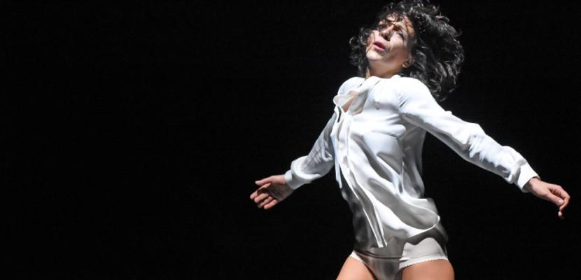 Près de Rouen, Lisbeth Gruwez danse Bob Dylan