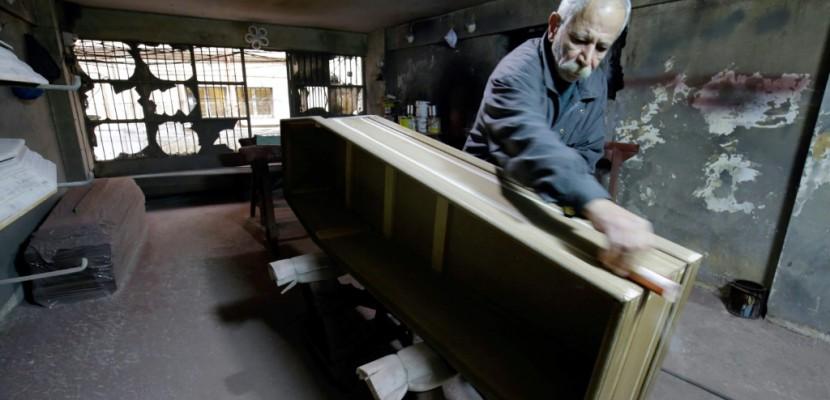 Nord du Liban: sans chrétien, les fabricants de cercueil se meurent