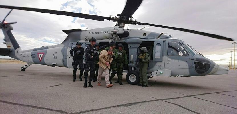 """Mexique: le narcotrafiquant """"El Chapo"""" extradé aux Etats-Unis"""