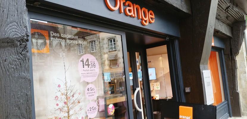boutique orange d 39 argentan transf r e une filiale p titions sur le march. Black Bedroom Furniture Sets. Home Design Ideas