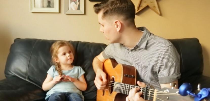 Cette fillette de 4 ans chante déjà comme une grande