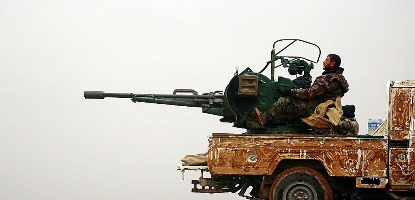 Des forces syriennes anti-EI ont reçu des blindés des États-Unis