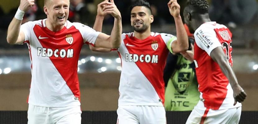 Ligue 1: Monaco sèche Nice, Paris nouveau dauphin