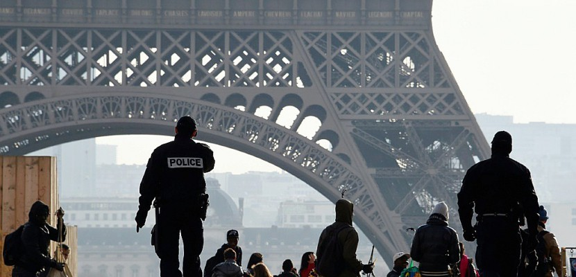 Les attentats ont fait perdre 1,5 million de touristes à Paris