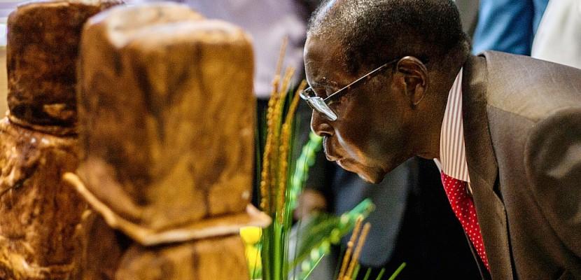 Zimbabwe: Mugabe fête ses 93 ans déterminé à perpétuer son règne