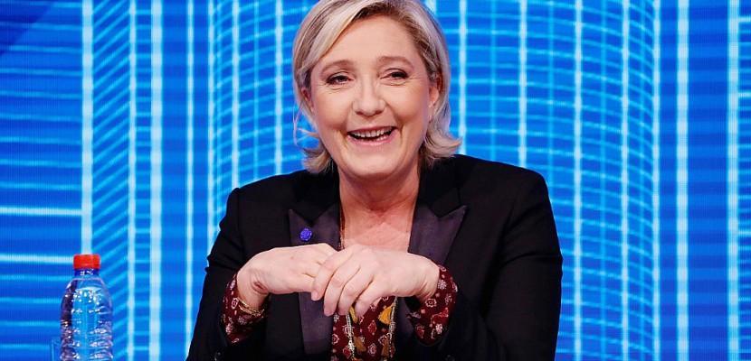 Malgré la justice, Le Pen grignote du terrain pour le 2e tour
