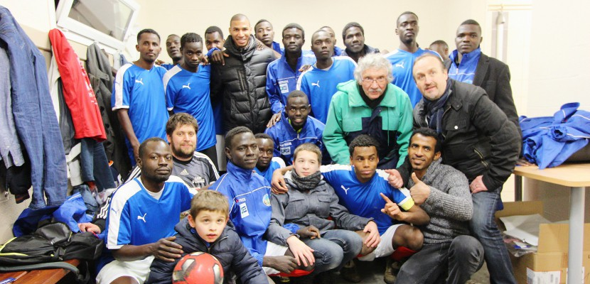 Normandie. Quand les migrants battent les journalistes au football
