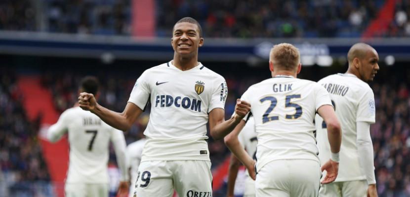 Ligue 1: Mbappé met Monaco à distance de Nice et du PSG