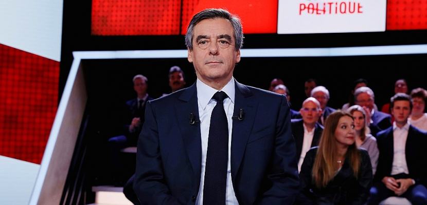 "Affaires: Fillon accuse Hollande d'animer un ""cabinet noir"""