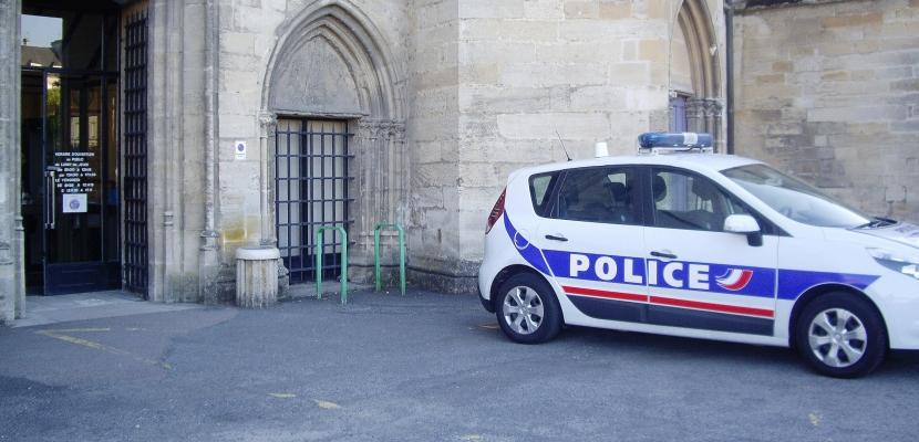 Escroquerie huis clos peines de prison ferme pour for Huis clos fenetre