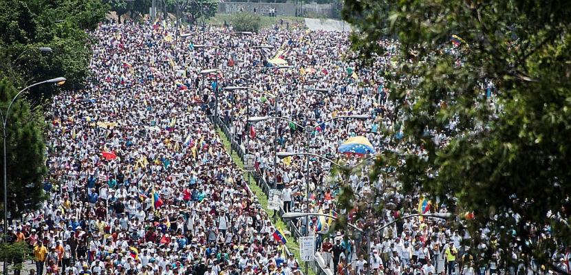 Venezuela : marches anti et pro-régime sous haute tension