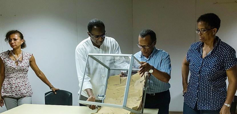 Au coeur de la Guyane française, les Amérindiens Wayampi vont voter à l'aveugle
