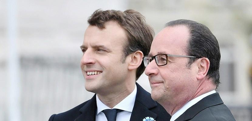 """Hollande et Macron se préparent à une passation du pouvoir """"amicale"""""""