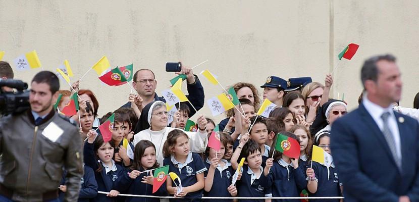 Le pape François en route pour le sanctuaire de Fatima