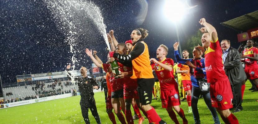 Rouen. FOOTBALL [OFFICIEL] : Quevilly Rouen Métropole monteen Ligue 2 !