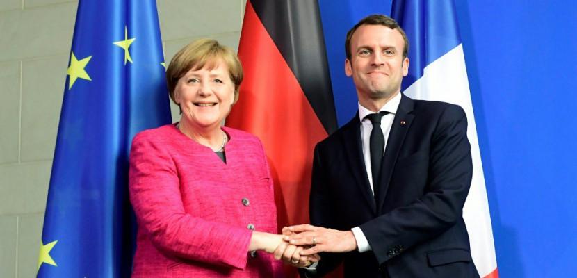A Berlin, Merkel adoube Macron sur l'Europe
