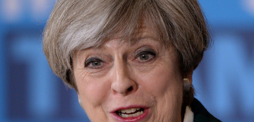 Solide et stable ? Theresa May face au terrorisme et aux polémiques
