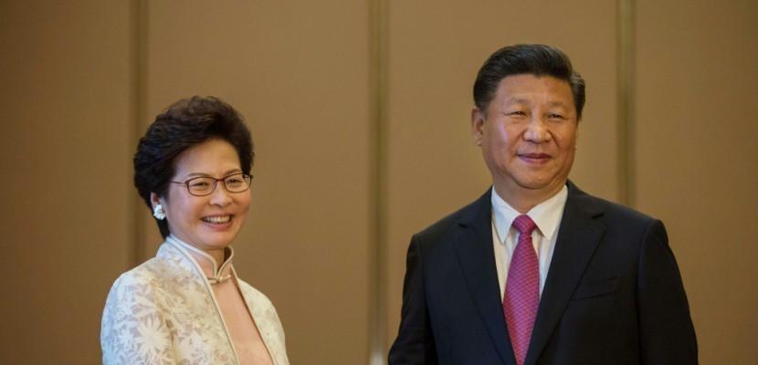 """Hong Kong: Xi Jinping trace une """"ligne rouge"""" à ne pas dépasser"""