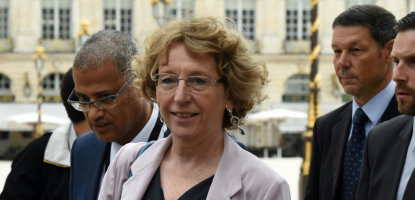 "Affaire Business France: Pénicaud ""briefée"" en amont"