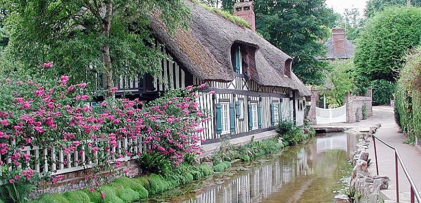 Veulles-les-Roses et le plus petit fleuve de France