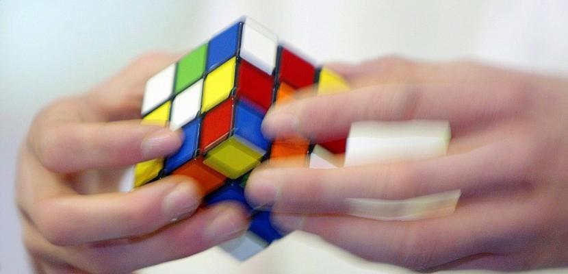 Les stars planétaires du Rubik's Cube à Paris pour les championnats du monde