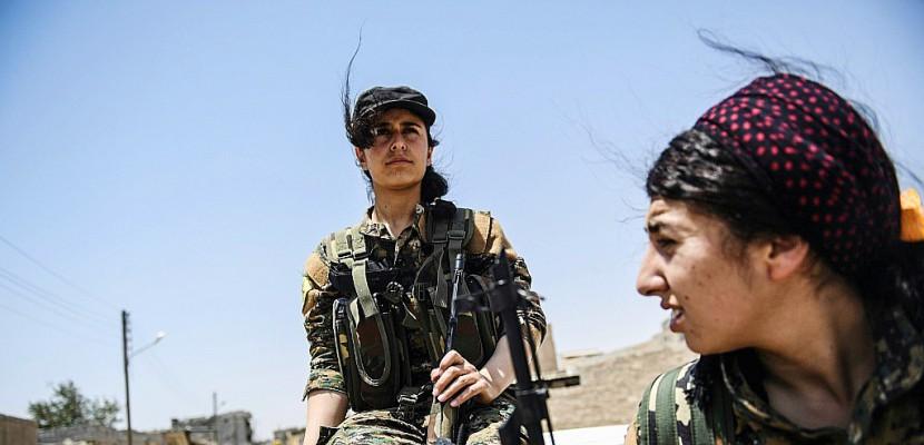 Le retour des combattantes yazidies sur le front de Raqa