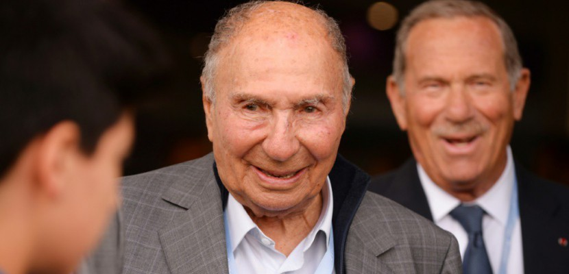 A 92 ans, Serge Dassault jette l'éponge et renonce à briguer un nouveau mandat au Sénat