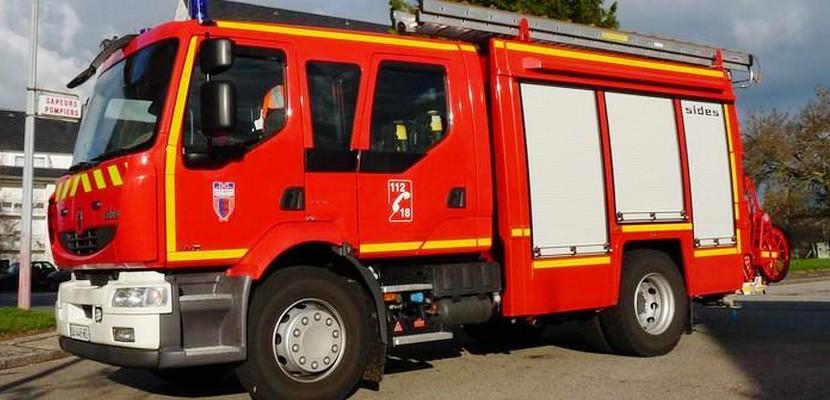 Manche : Cinq blessés dont une fillette de 4 ans, dans une collision entre deux voitures et un engin agricole