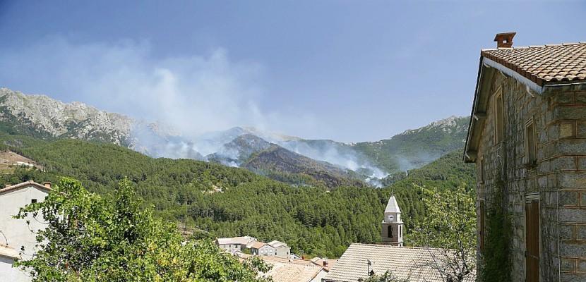 Corse: l'incendie de Calenzana maîtrisé