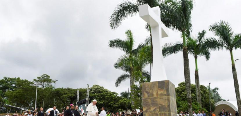 Victime mais prête au pardon: le pape et la douleur de la Colombie