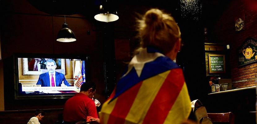 Le roi accuse les dirigeants catalans de menacer la stabilité de l'Espagne