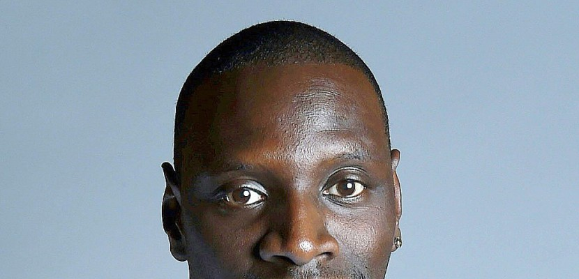 omar sy en docteur knock d bonnaire dans un film tr s librement adapt. Black Bedroom Furniture Sets. Home Design Ideas
