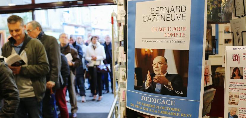 A Cherbourg, la foule au rendez-vous pourla dédicace de Bernard Cazeneuve