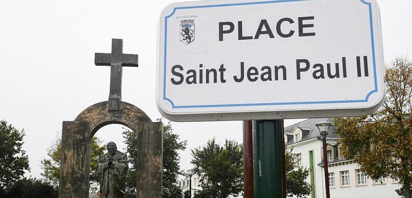 A Ploërmel, la croix de la discorde fait aujourd'hui partie du paysage