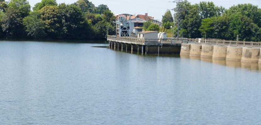 Nicolas Hulot annonce la destruction des barrages hydroélectriques du sud-Manche